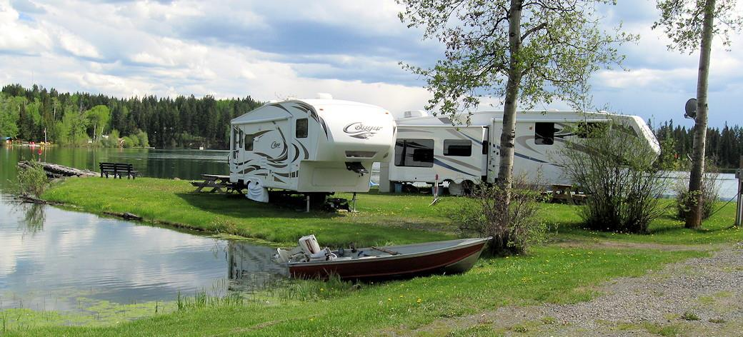 two-RVs-looking-over-lake.jpg